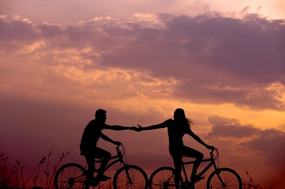 ciclismo-cicloturismo-bici-bike-e-byke-mtb-bicicle-vacanza-attiva-bike-room-active-hoel-activity-lazio-pedalare-pedalata