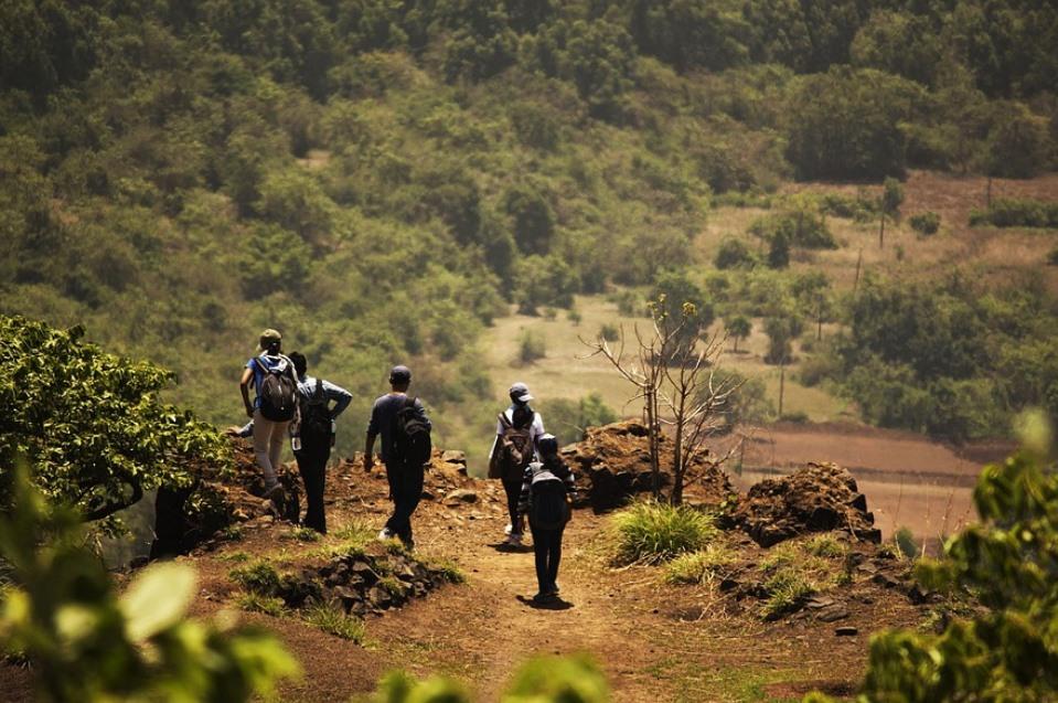 gruppo-montagna-montagne-esplorazione-esplora-trekking-scalata-arrampicata-ciaspolata-avventura-esplorazione-active-hotel