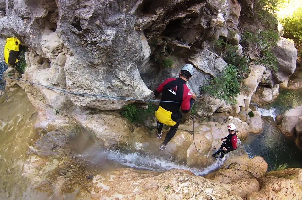 canyoning-speleologia-lazio-fiuggi-subiaco-activity-active-calata-con-corda-nei-simbruini-e-ernici