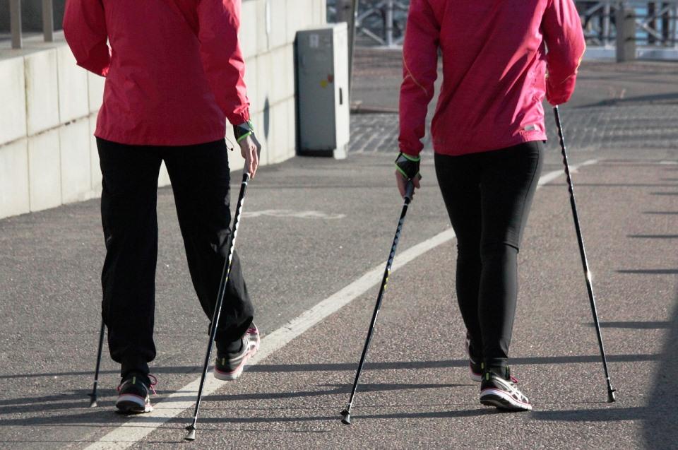 nordick-walking-walk-sport-camminata-nordica-bacchette-scarpe-sportive-fitness-allenamento-percorsi-visite-istruttori-active-hotel-fiuggi-servizi