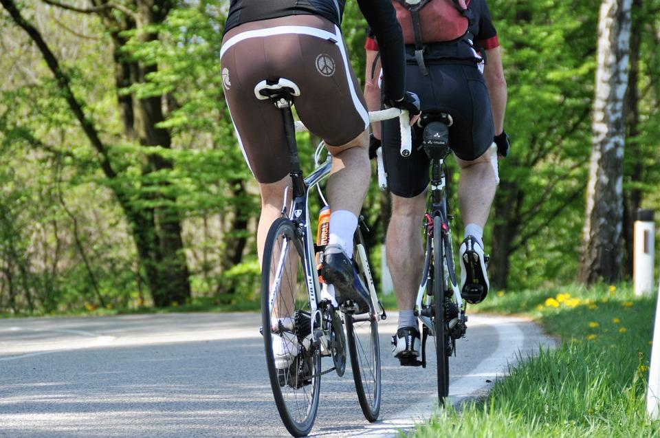 ciclismo-ciclisti-bicicletta-cicloturismo-bici-byke-bike-e-bike-active-hotel-fiuggi-activity-lazio-frosinone-servizi