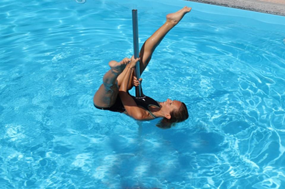acquapole-attivita-indoor-attivita-nelle-nostre-strutture-pole-dancing-active-hotel-fiuggi-ambasciatori-hotel-place