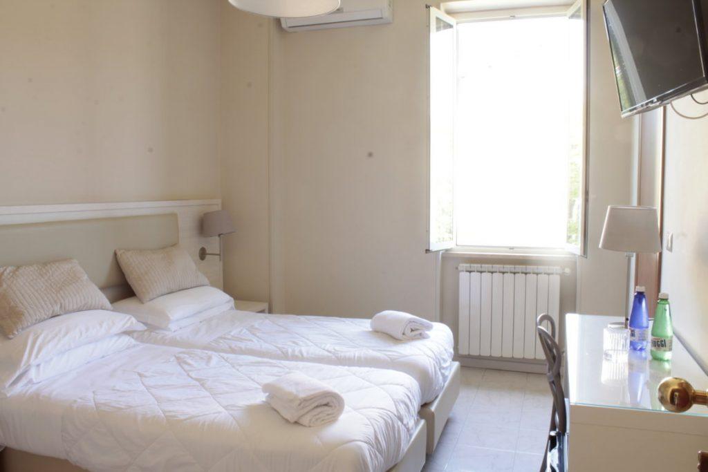 delle-ortensie-feeling-hotel-le-nostre-stanze-camere-minimali-ristrutturate-moderne-active-hotel-fiuggi-activity-lazio-sport-fitness-activity