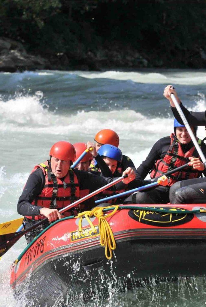rafting-discesa-fiume-con-gommone-fiuggi-active-activity-subiaco-aniene-vivere-territorio-ciociaria