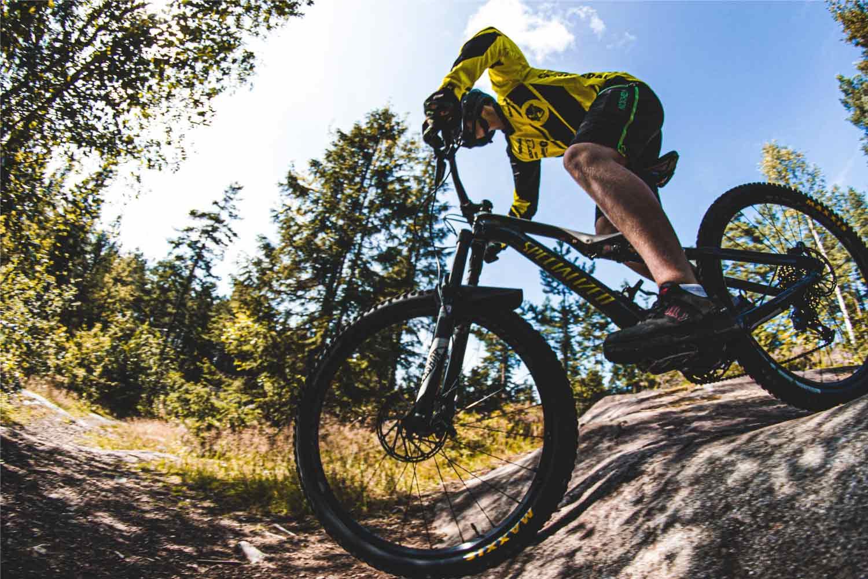mtb-mountain-byke-lazio-e-dintorni-con-active-hotel-fiuggi-frosione-bicicletta-discesa-montagne-panorami-mozzafiato