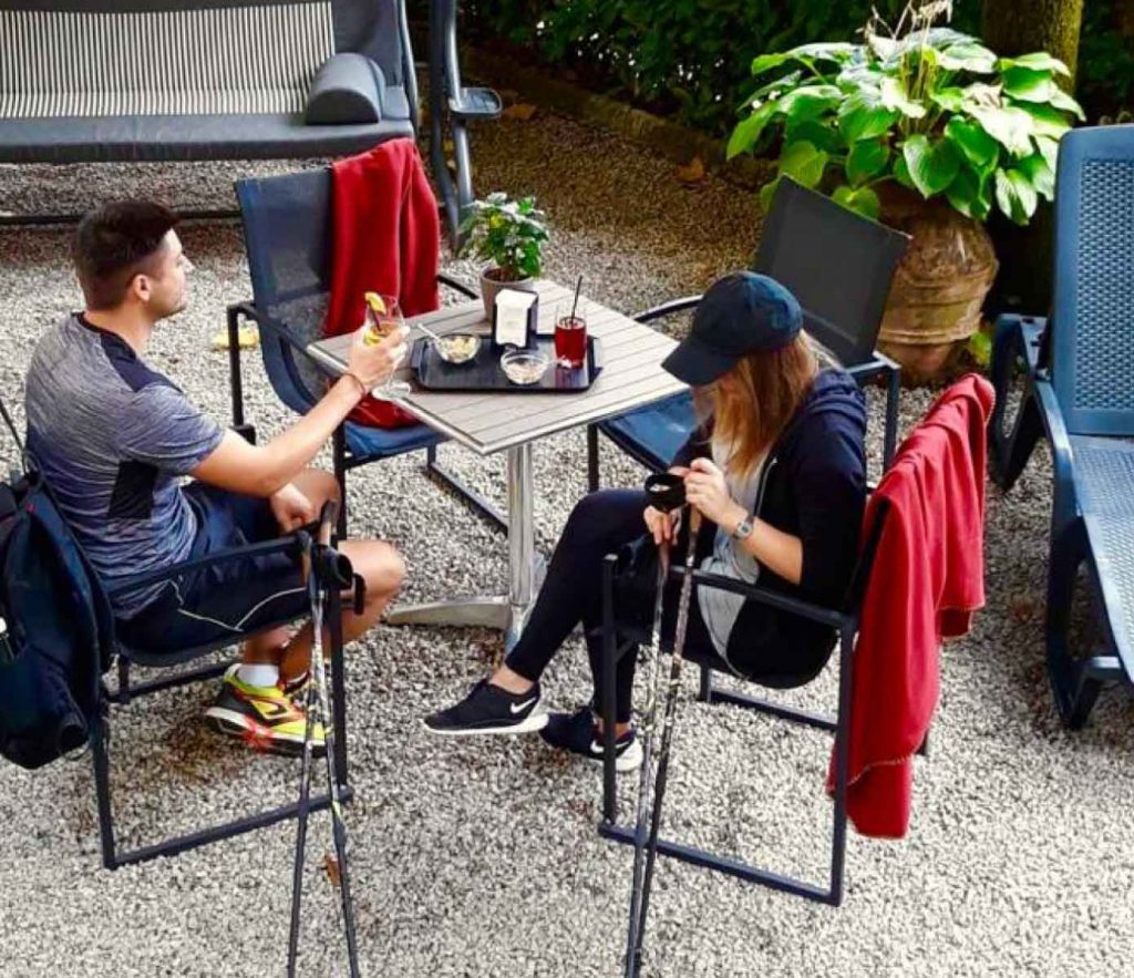 delle-ortensie-fiuggi-active-hotel-activity-lazio-i-nostri-clienti-attivi-nordic-walking-bacchette-e-colazione-aperitivi