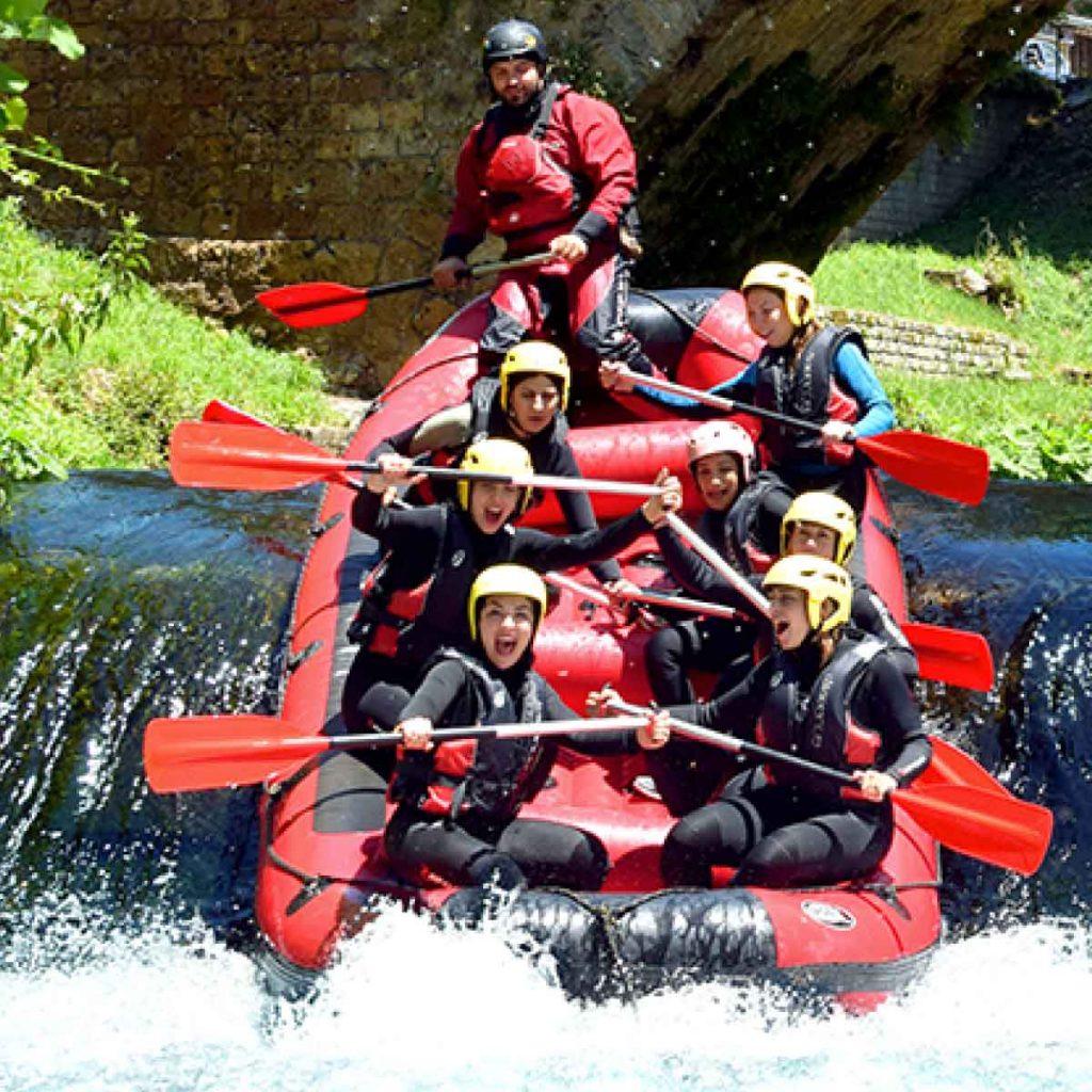 Rafting-aniene-vivere-l-aniene-active-hotel-fiuggi-i-nostri-partner-attivita-all-aria-aperta-aperto-fiume-subiaco-active-vacanza-attiva-partner