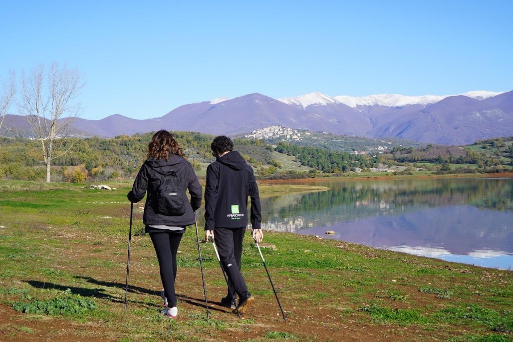 lago-di-canterno-lago-fantasma-nordick-walking-camminata-nordica-racchette-e-bastoncini