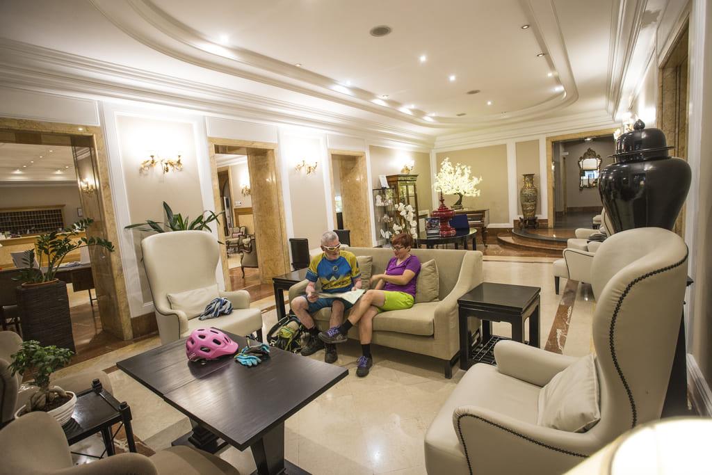 Ambasciatori-active-hotel-activity-place-la-nostra-hall-la-nostra-struttura-quattro-stelle-attivitahotel