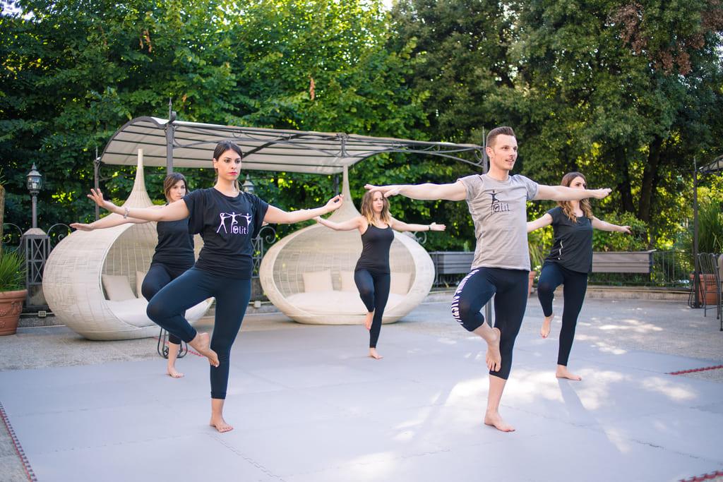 Yoga-Impara-l-arte-di-Rilassare-i-tuoi-muscoli-esperienze-indoor-fiuggi-active-hotel