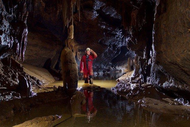 speleologia-esperienze-outdoor-scopri-le-nostre-grotte-fiuggi-active